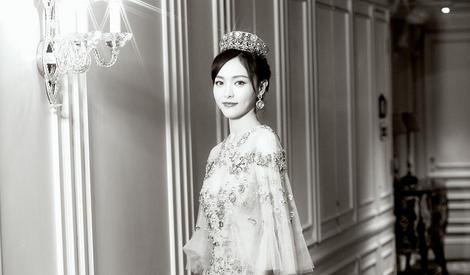 万人迷!唐嫣戴皇冠化身公主美到窒息