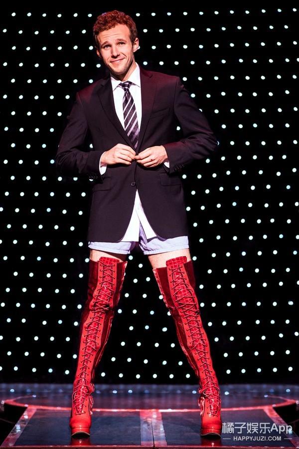 长腿+高跟鞋,看男生如何演绎走心性感!