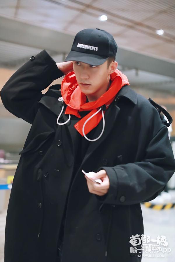帮黄景瑜找厕所,听董力怼粉丝,我们还拍到了EXO的边伯贤