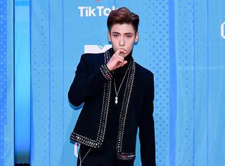 王子异亮相MTV EMA颁奖红毯 成亚洲区唯一出席艺人