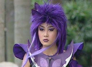 还记得《巴啦啦小魔仙》里的黑魔仙小月吗?她现在长这样