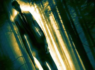 《瘦长鬼影》预告太渗人,专门掳拐儿童的无脸男堪称童年阴影