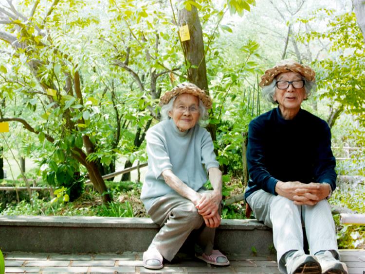 如果能拥有这种两人一生一庭院的田园生活,我一点都不怕变老