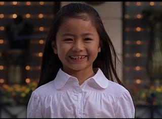 还记得周星驰《功夫》里的小哑女吗,她越来越美了!
