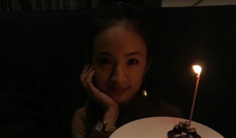 林依晨与老公庆祝结婚三周年,享浪漫烛光大餐