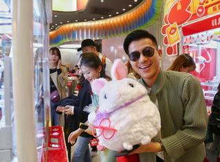 網紅店2.0升級 LLJ夾機占引爆年輕人的娛樂狂歡