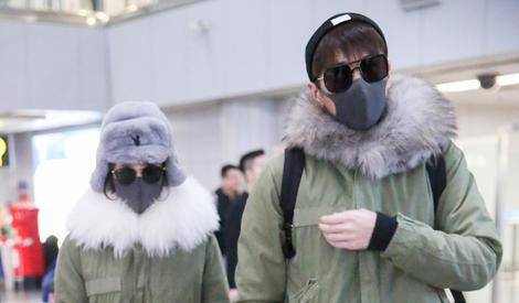 张若昀唐艺昕穿情侣装同框,墨镜口罩居然都是同款