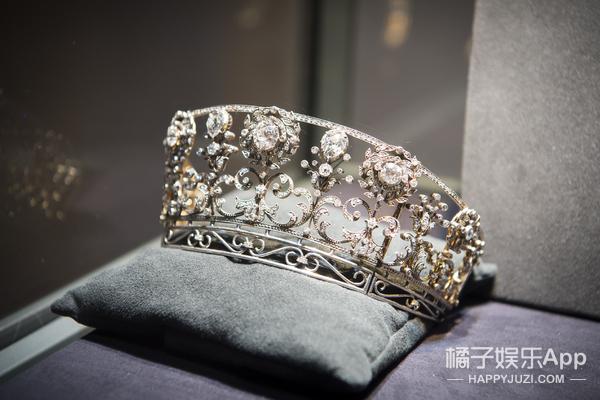 女星拼咖位得看王冠,唐嫣那顶竟价值千万