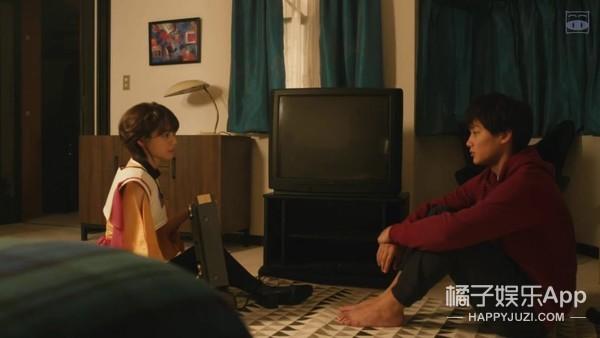 女神不爱自己怎么办?叔叔的女友电视里爬出来教你谈恋爱!