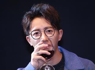韩庚回应Super Junior利特喊话:我也挺想你们