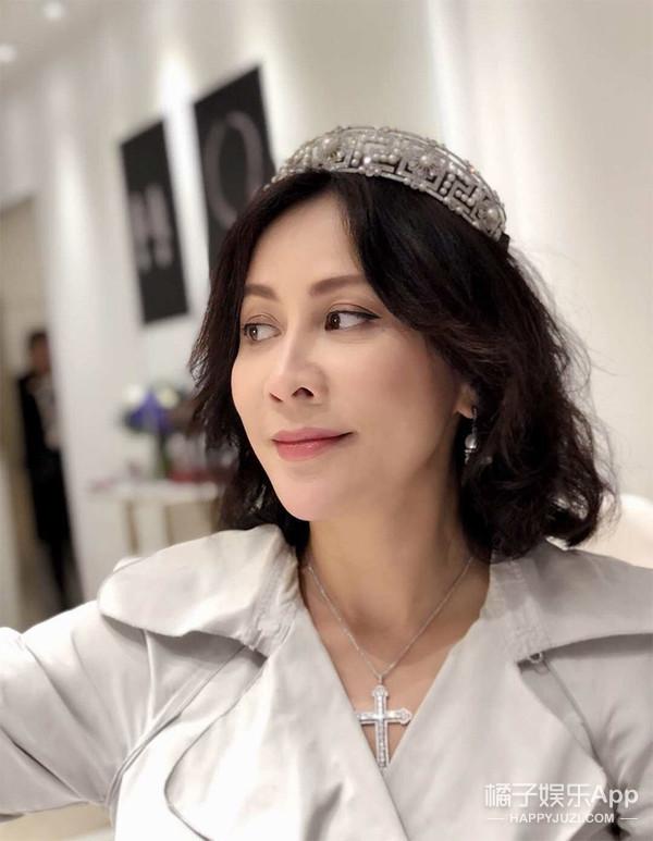 自己买的皇冠被借去故宫展出了,她到底多有钱?