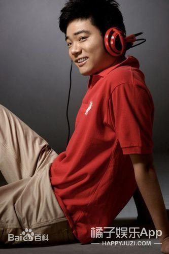 丁俊晖公布当爸喜讯,体育界要有台球小王子或小公举啦?