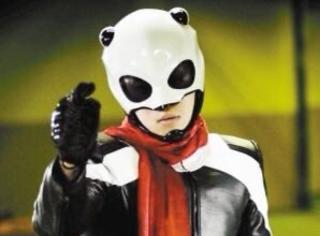 还记得《熊猫人》中的超人潘达吗?他现在长这样