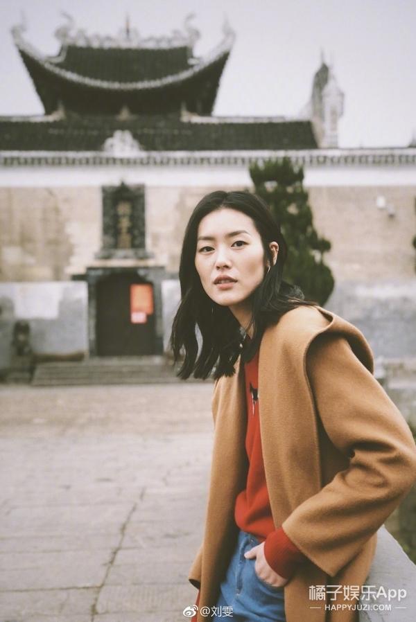 带货女王刘雯开年装演绎,这个色调的搭配真的好暖呢~