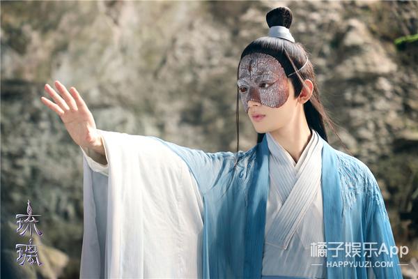 《琉璃》曝全新战斗版海报 成毅袁冰妍身份反差战意高燃