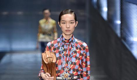 """国模孙菲菲嫁了!男方甜蜜回""""感谢十年不弃"""""""