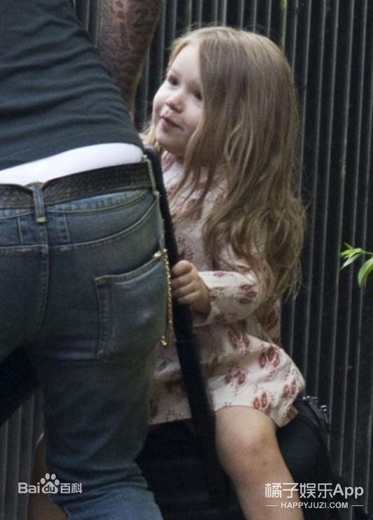 还记得贝克汉姆的女儿小七吗?#20811;?#25442;造型啦!
