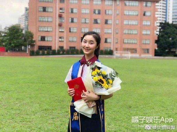 """还记得""""步步高点读机女孩""""吗,她今年都考大学了!"""