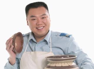 还记得《炊事班的故事》中的小姜吗?他现在长这样