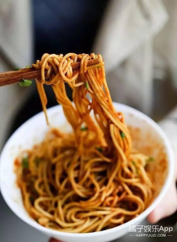 北京竟然也能吃到武汉热干面,一口下去醇香浓厚!