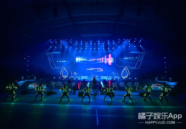 QQ飞车十周年盛典之夜华彩落幕 星光璀璨激情无限!