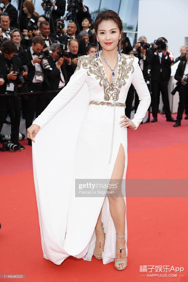 戛纳红毯上被保安驱赶的女演员,来头还不小?