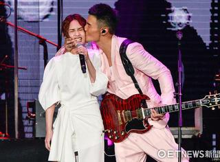 杨丞琳5年洗1次牛仔裤被骂恶心,李荣浩竟然这样回怼网友…