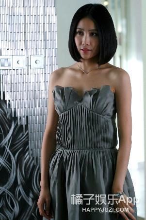 还记得《丑女无敌》里费德南的前任吗,她现在长这样了