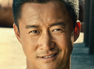 美國記者采訪問中國電影是否會超越好萊塢,吳京笑答:不遠了