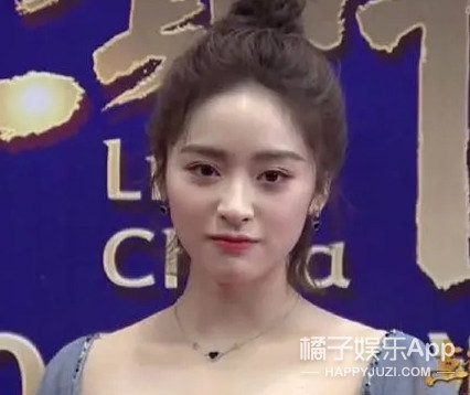 她這是打瘦臉和瘦肩針了?
