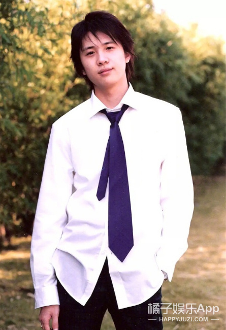 还记得《十八岁的天空》的石延枫吗?他现在长这样