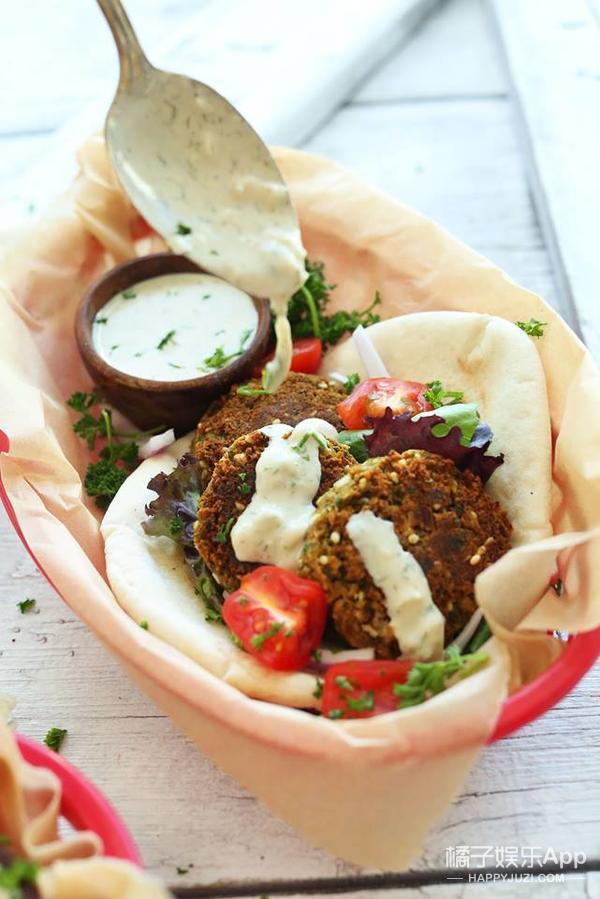 逛遍全球探秘最美的素食街头小吃,茄子竟然也能烤出肉味?