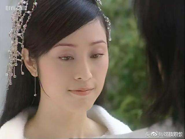 还记得《水月洞天》里的尹天雪吗?她现在长这样