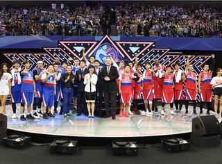 """超级企鹅红蓝大战开打 腾讯体育创造中国版""""超级碗"""""""
