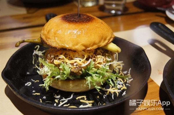 汉堡里加了仙人掌,就问你敢不敢吃这一口特色味道!