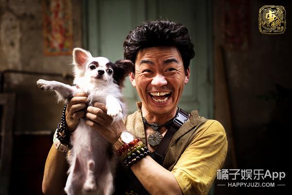 刘昊然被当成小姑娘,王宝强被外国男人送花,唐人街可真热闹