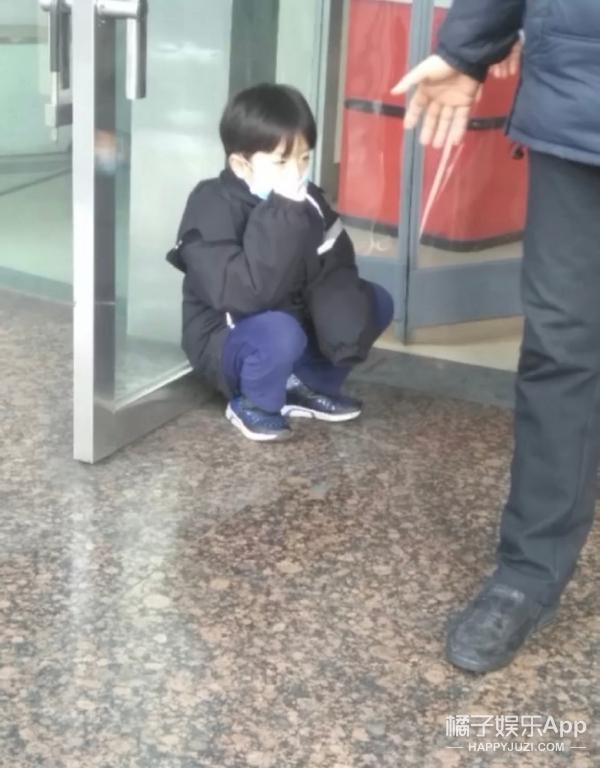 这位有太多人想等他成年了...