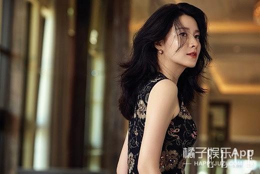 46岁李英爱出席活动,这皮肤状态也太好了吧