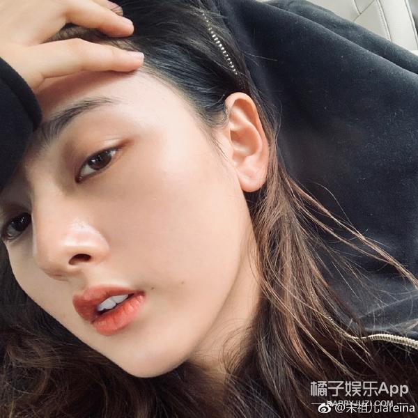 她的鼻子在女明星里是最虐的吗?