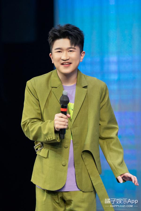 《欢乐喜剧人7》开播 李雪琴秦霄贤熊梓淇上演东北line