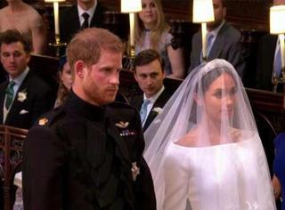 一路被唱衰也不care,这么酷的世纪婚礼只有他俩可以做到