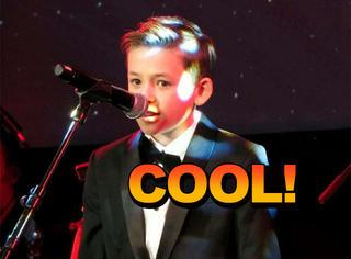 自闭症男孩在超市里唱了一首歌,惊艳到有人要请他出唱片