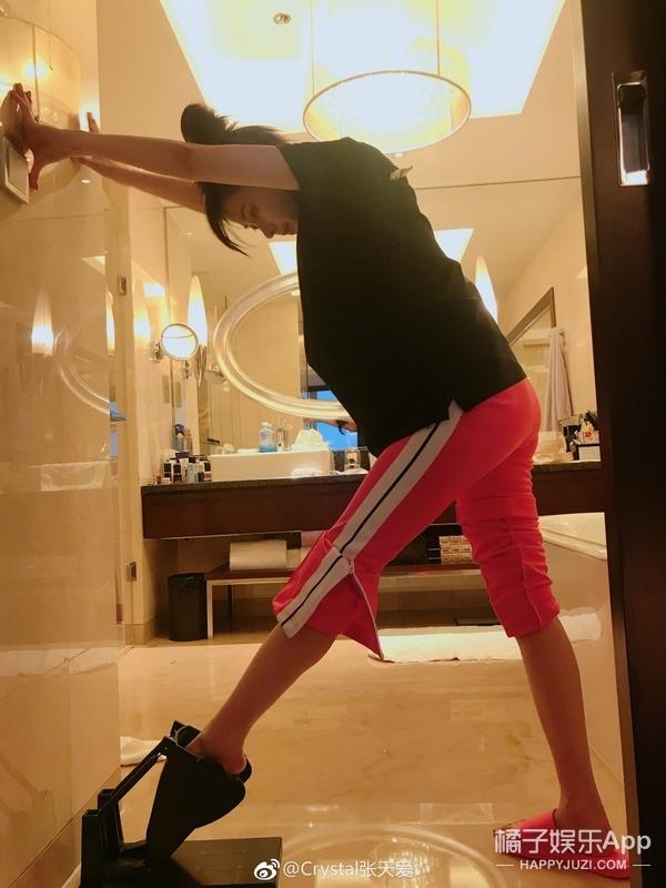 官曝168cm,穿高跟鞋还没有166cm的李沁高?