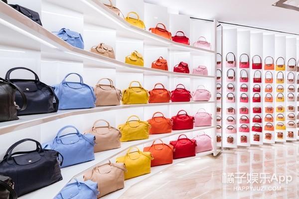 新生代偶像钱正昊探访Longchamp巴黎旗舰店