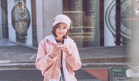 袁姗姗演绎潮酷街头风彰显十足个性