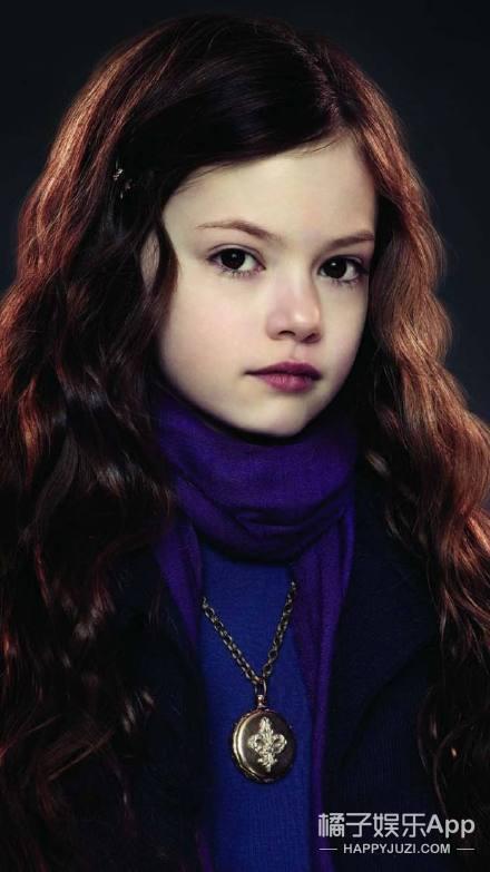 还记得《暮光之城》贝拉的女儿吗,她现在是小仙女吧!