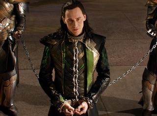 """雷神看过绿巨人的巨根?洛基钟爱""""捆绑三件套""""?"""