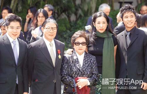 还记得最美港姐朱玲玲吗?她62岁长这样,儿媳是郭晶晶