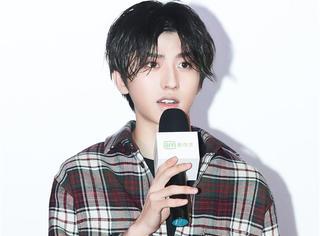 蔡徐坤现身《中国音乐公告牌》看片会,直言会带NPC来打歌