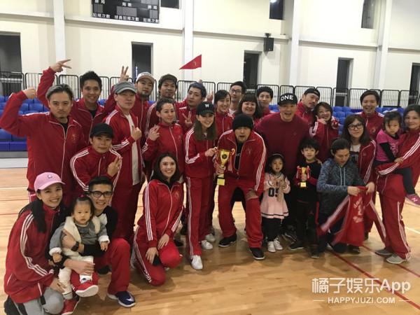 昆凌办运动会为周杰伦提前庆生,小周周的背影有点可爱